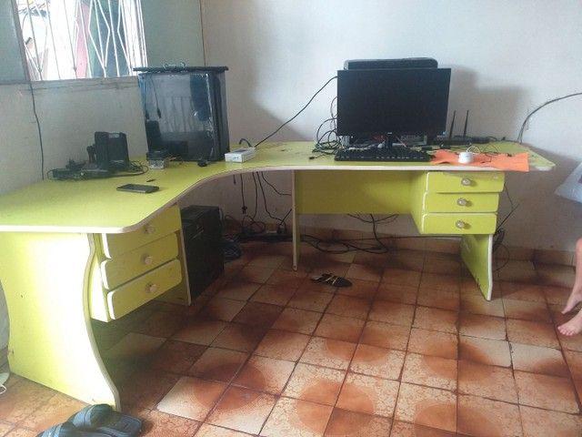 Vendo está linda mesa  bem conservada - Foto 2