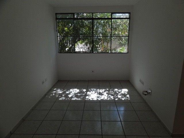 LOCAÇÃO   Apartamento, com 3 quartos em AEROPORTO, Maringá - Foto 16