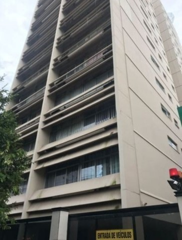 13- Apartamento com 156m² ,3/4 sendo 1 suíte e 2 vagas de garagem
