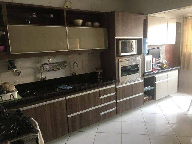 AB287 - Apartamento com 03 quartos/cozinha projetada/ 3 vagas
