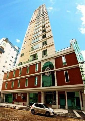 Excelente apartamento em Balneário Camboriú, bairro Pioneiros, alto padrão