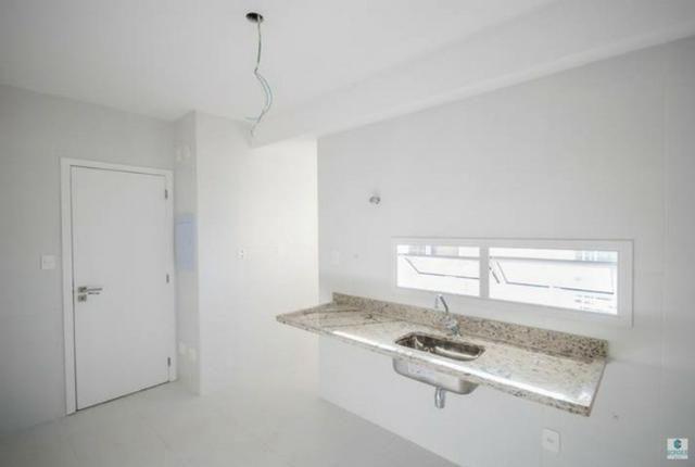 Apartamento 3/4 em Patamares, 2 vagas, vista bosque livre - Foto 5