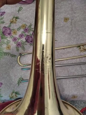Trombone Conn Director aceito cartão ? até 12 VEZES ABAIXEI PARA VENDER LOGO