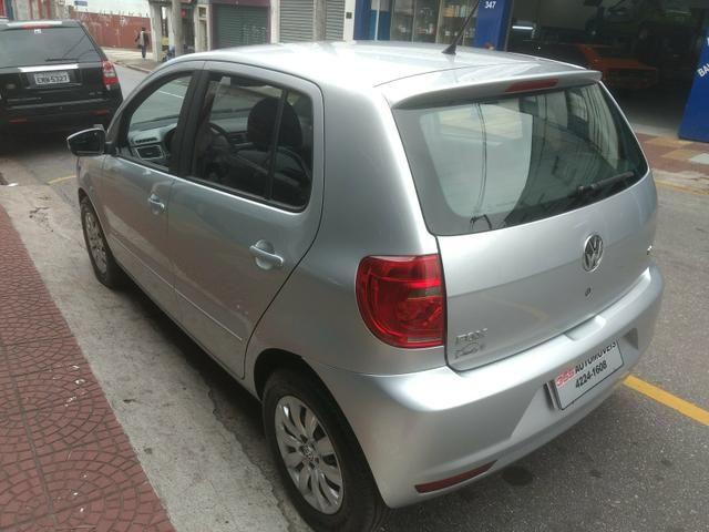 VW Fox 1.6 Trend GII Prata Completo 2014 2º Dono R$ 32.900,00 - Foto 7