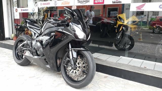 Honda CBR 1000RR Fireblade - Foto 4