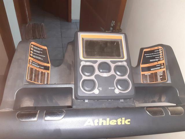 Elíptico equipamento academia