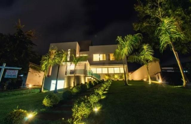 Casa de 4 suites Piscina Privativa no Cond. Parque Costa Verde em Piata R$ 4.900.000,00