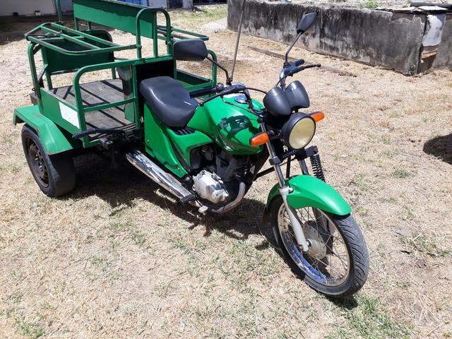 Moto triciclos