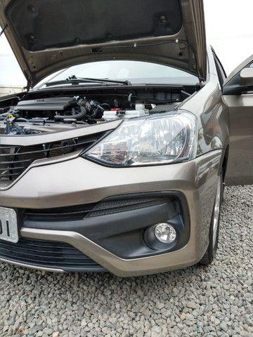 Vendo Etios Hatch 1.5 XLS Automático 2017/2018 - Foto 6