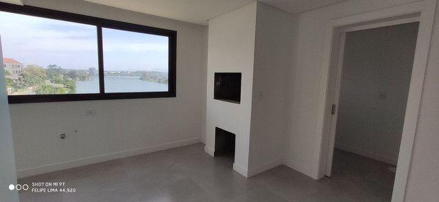 Apartamento 3 dormitórios de frente para lagoa do Violão - Foto 4