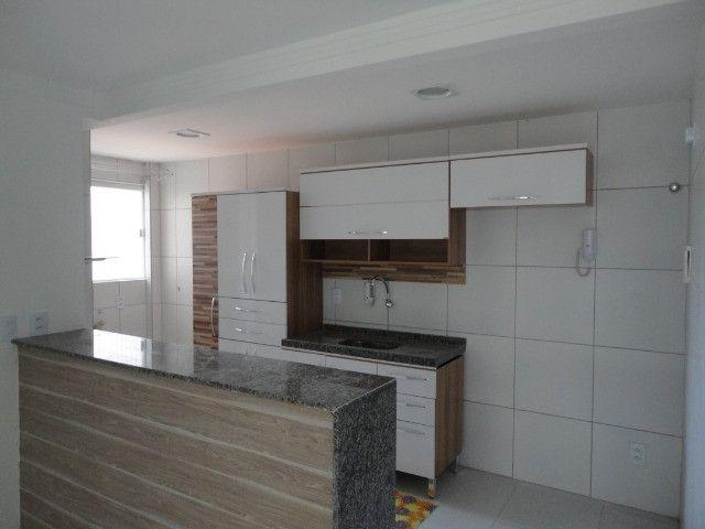 Vendo Apart 60 m2, 3 quartos, 2 banheiros 1 varanda e 1 garagem - Foto 4