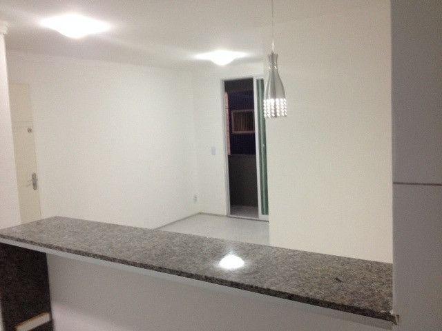 Vendo Apart 60 m2, 3 quartos, 2 banheiros 1 varanda e 1 garagem - Foto 7
