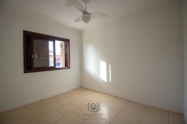 Casa a meia quadra da beira mar em Torres - Foto 8