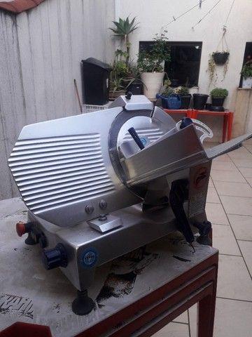 Cortador de Frios Semi Automática Gural GLP 300 - Foto 2