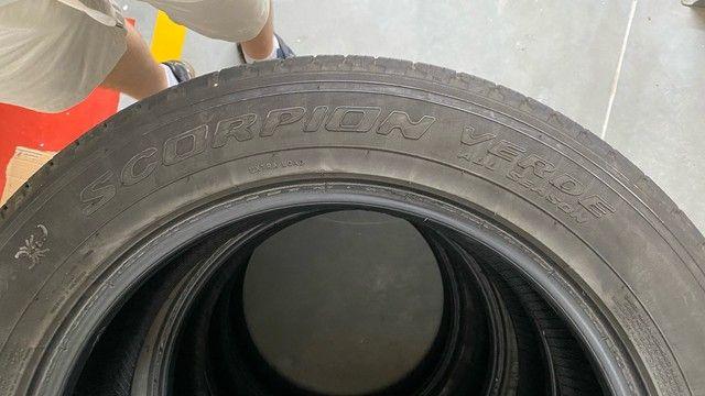 Jogo pneus Pirelli 225/60 R18 - Foto 6