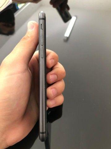 Iphone 8 semi novo - Foto 3