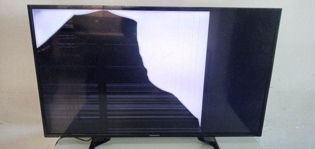 TV panasonic MODELO TC-39A400B COM TELA TRINCADA