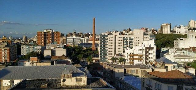 Alugo apartamento na Av Cristóvão Colombo térreo 2 quartos 75m2 - Foto 11