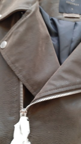 Jaqueta couro e camurça tam G Nova