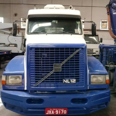 Caminhão Volvo / NL 12 360 6X2T EDC / Ano 1996