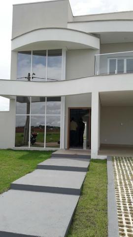 Vendo casa de Luxo no Condomínio Ecoville- com 3 suítes