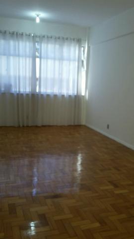 Ótimo apartamento no Grajaú, 2 quartos com dependências e garagem, Rua Caruarú