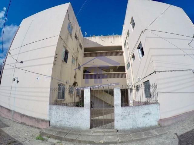 Apartamento no farol no conjunto Jardim das Acácias - 2 quartos