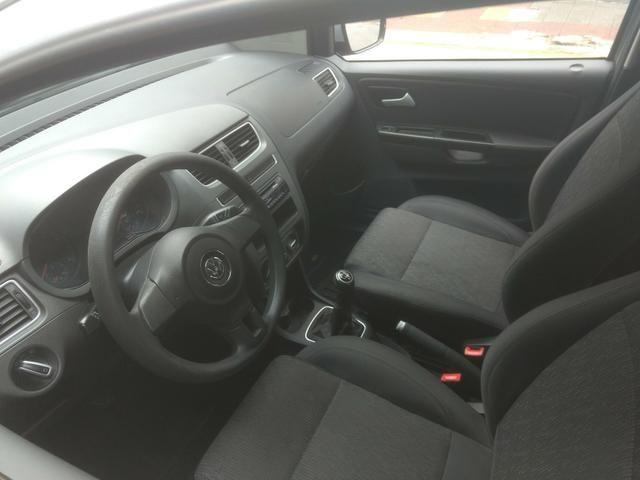 VW Fox 1.6 Trend GII Prata Completo 2014 2º Dono R$ 32.900,00 - Foto 9