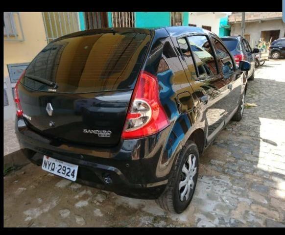 Renault sanderos - Foto 2