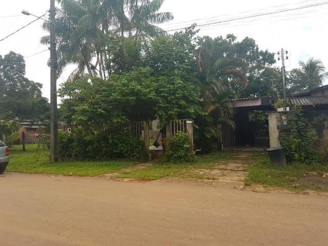 Casa com 2 terrenos ( preço negociável )