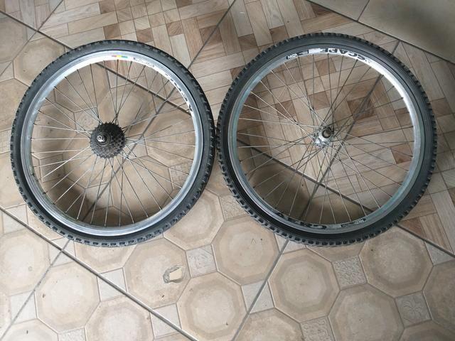 Par de rodas aro aéreo com pneus