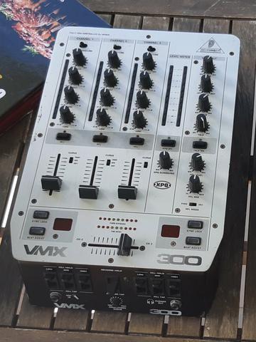 Mixer Behringer VMX 300