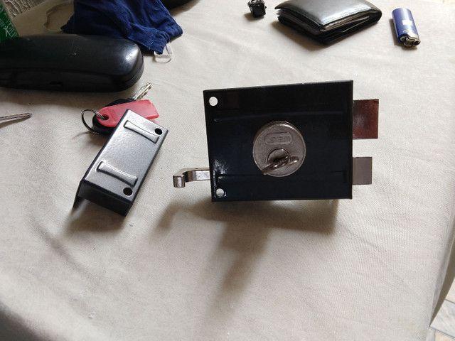 Fechadura Stam com 03 chaves - Foto 2