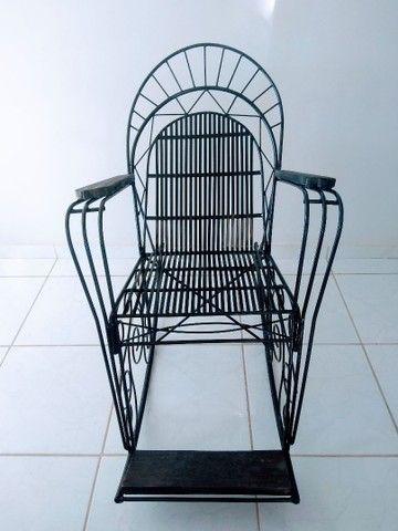 Cadeira balanço ferro maciço - Foto 6