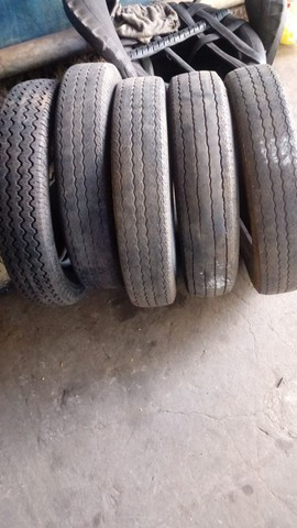 Vende5 pneus aro 15. Original do fusca. $90,00 cada