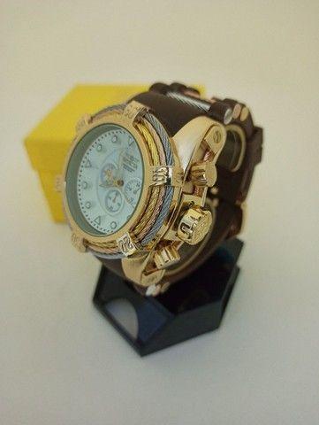 Relógio masculino dourado pulseira marrom muito lindo - Foto 3