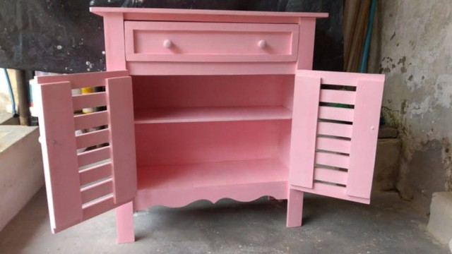 Cômoda rosa bebê
