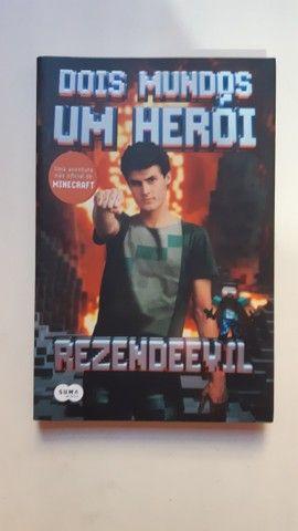 Rezendeevil: De volta ao jogo; Dois mundos um herói - Foto 4