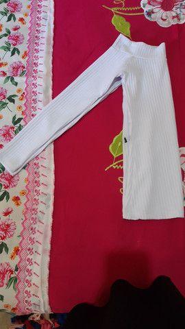 Blusa femenina canelada