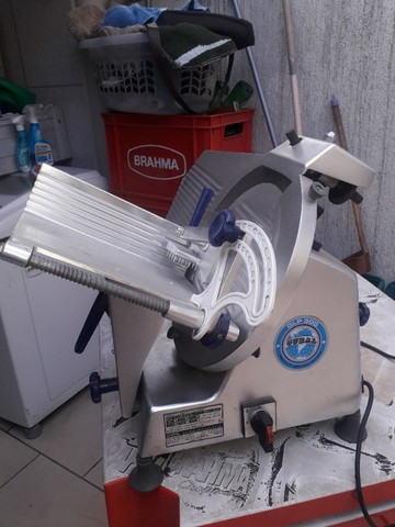 Cortador de Frios Semi Automática Gural GLP 300 - Foto 4