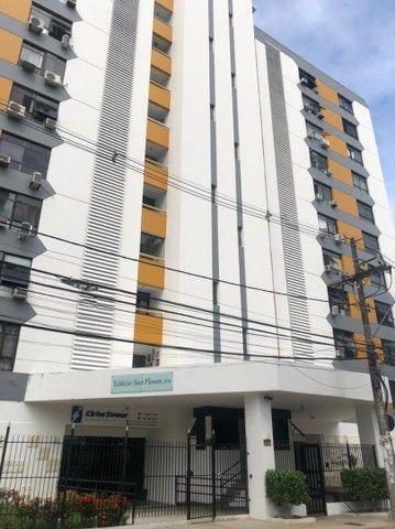 Apartamento Alto do Candeal 1/4, 2 banheiros e área de serviço
