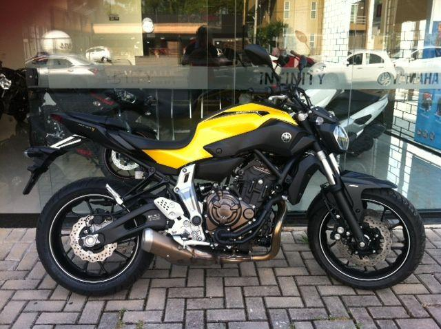 yamaha mt 07 mt 07 km 2017 motos bom retiro curitiba olx. Black Bedroom Furniture Sets. Home Design Ideas