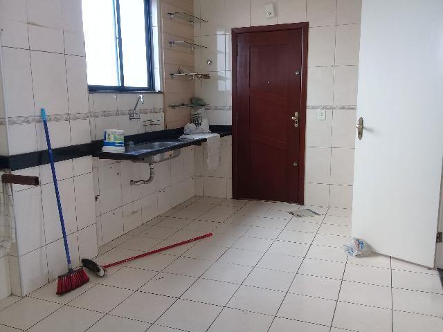 Vende-se Excelente apartamento, elevador próximo a Rei França, Eldorado - Foto 13
