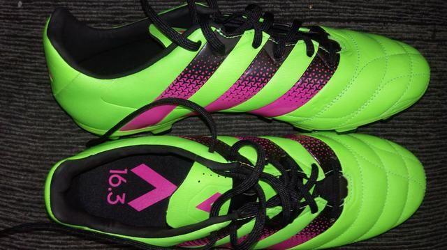 Chuteira Campo Adidas 16.3 profissional nova Tam 41 - Esportes e ... 1d7b36b51936f