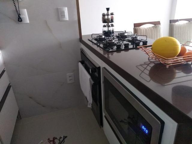 Vendo lindo apartamento 3/4 todo reformado com moveis planejados e eletrodomésticos - Foto 3