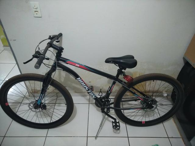 Vendo bike aro 29 Houston Discovery R$800,00