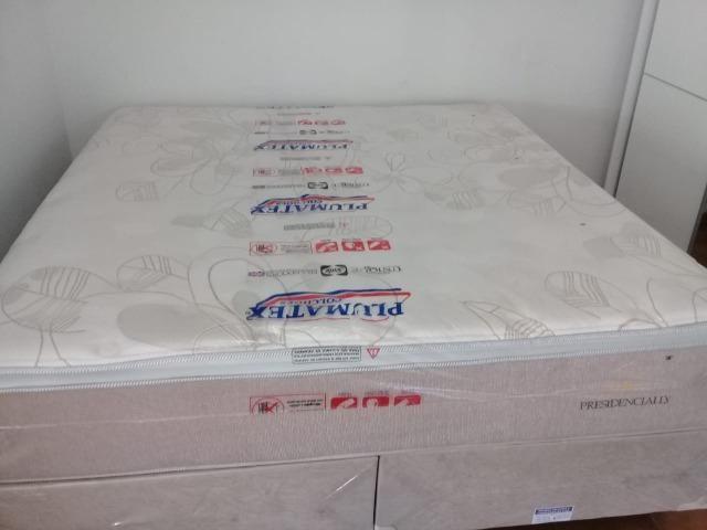Cama king size molas enscadas individualmente de 2999 por 1999 nos cartoes
