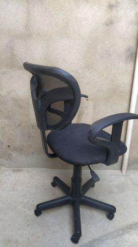 Cadeira giratória de escritório . - Foto 2