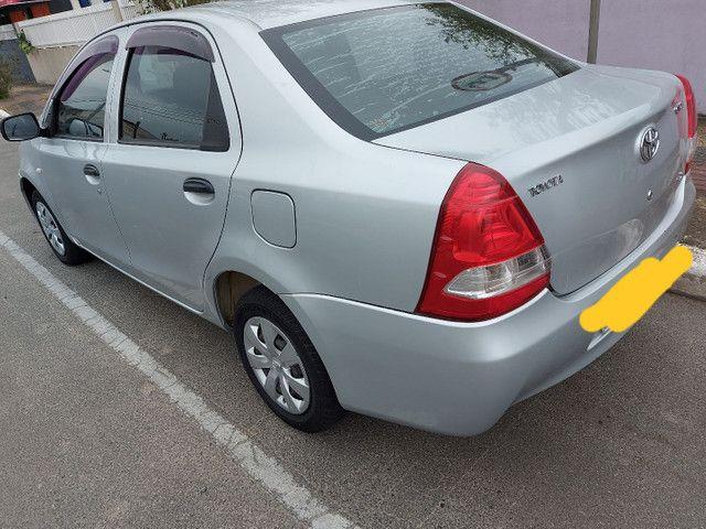 Etios sedan 2013 1.5X TROCO SUV