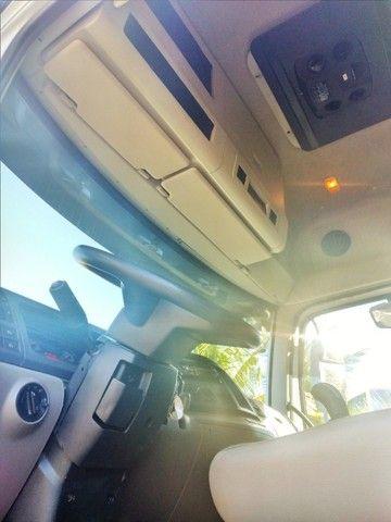 Volkswagen Constellation 26.420 ano 2014 6x4 automático, único dono em excelente estado.  - Foto 12